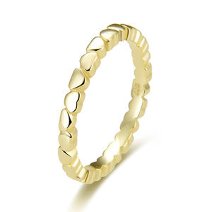 Beneto Pozlátený strieborný prsteň so srdiečkami AGG344-GOLD