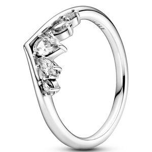Pandora Nežný strieborný prsteň s kamienkami Wishbone 199109C01