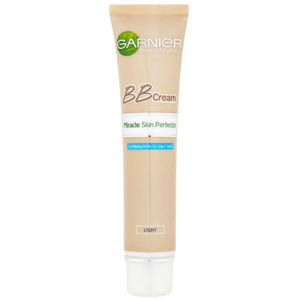 Garnier Zmatňujúci tónovací BB krém pre zmiešanú až mastnú pleť (Miracle Skin Perfector) 40 ml